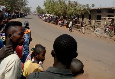 Au bord de la route (Kalabancoro) photo: Boubacar